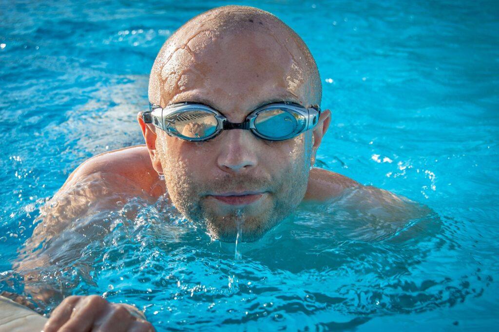 Úszásoktatás gyerekeknek – mikor és hogyan kezdjék el?
